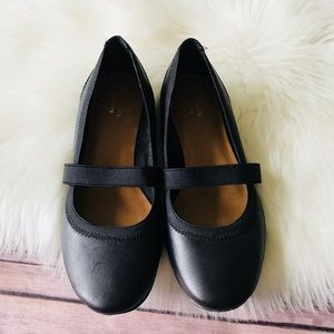 Clark's Collection Leather Flats Shoes Sz 6.5